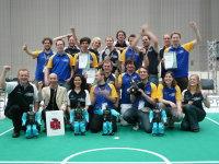 はじめロボットを使用するダルムシュタット工科大学がロボカップ世界大会で優勝 (2009)