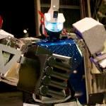 Wheel drive humanoid robot