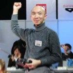 二足歩行ロボットのバトル競技大会「ROBO-ONE」ランブルで優勝 (2004)