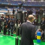 身長2mのヒューマノイドロボットのプレス発表(2009年)
