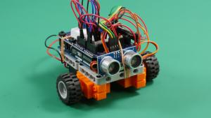 マイコンとレゴを使ったロボットカーの開発の写真